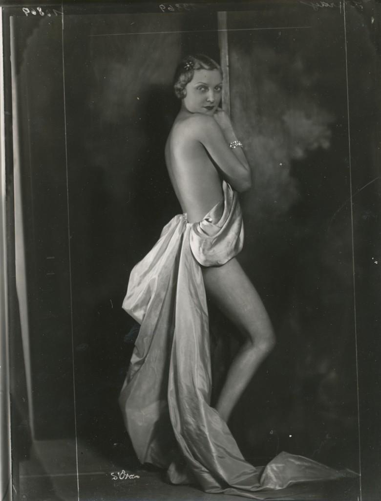 MARION BENDA BY MADAME D'ORA